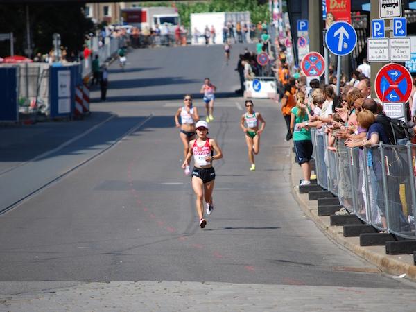 2009年ベルリン世界陸上競技大会で独走する加納由理