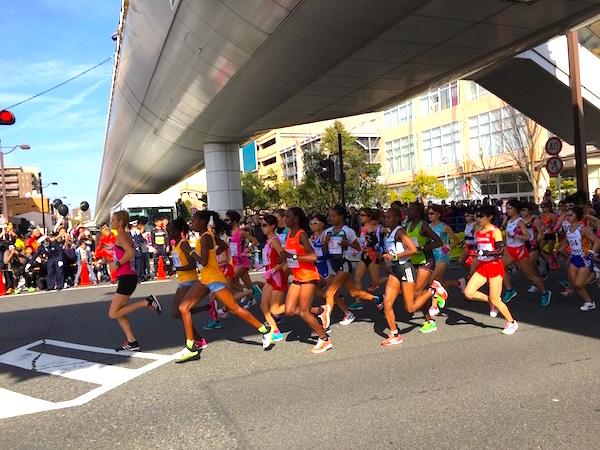 名古屋ウィメンズマラソン先頭を走るランナーたち